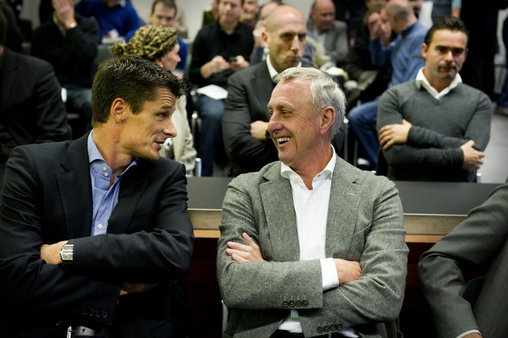 Kort geding Cruijff en jeugdtrainers tegen Ajax