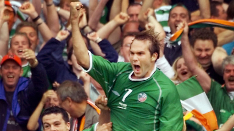 jason-mcateer-ian-harte-republic-of-ireland-netherlands-holland-2001-world-cup-qualifier_3349361