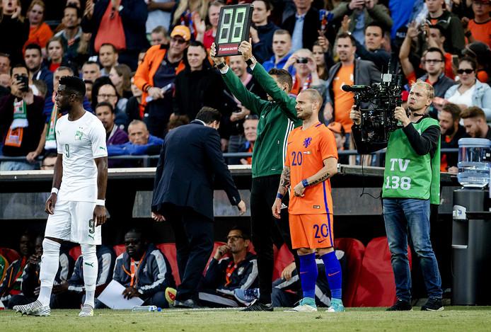 sneijder sub